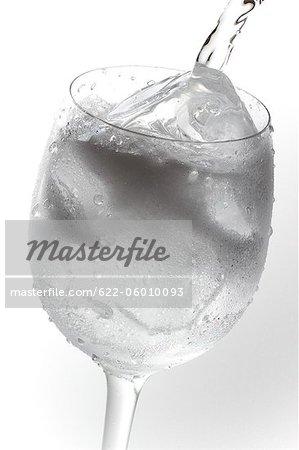 Gefrorenes Glas Wasser