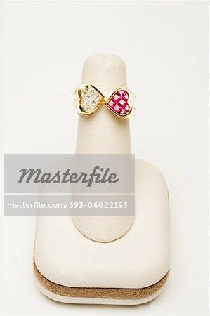 bague de coeur double or jaune 18 k 1,01 carat de diamants et de 1,47 carat rubis et de diamants taille pleine