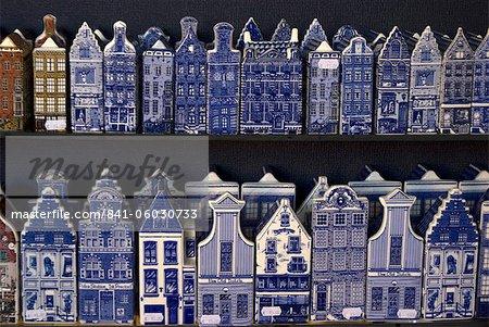 Delft Keramik Figuren der traditionellen Häuser, Delft, Niederlande, Europa