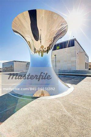 Sculpture extérieure du musée contenant de la mer morte, le Musée d'Israël, Jérusalem, Israël Moyen-Orient