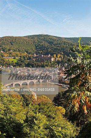 View of the Alte Brucke (Old Bridge), Neckar River Heidelberg Castle and Old Town from the Philosophenweg, Heidelberg, Baden-Wurttemberg, Germany, Europe