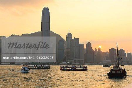 Star Ferry crossing Victoria Harbour towards Hong Kong Island, Hong Kong, China, Asia