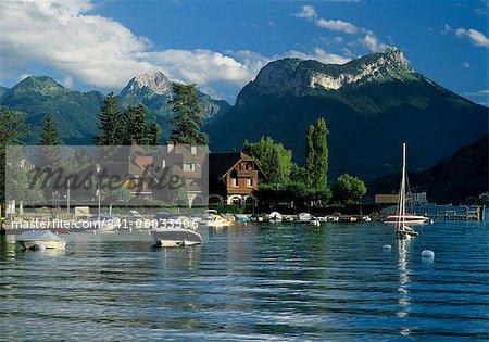 Port et Auberge Pere Bis, Talloires, lac d'Annecy, Rhone Alpes, France, Europe