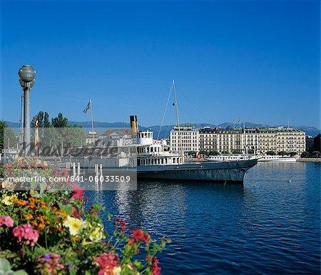 Paddle Steamer à côté de la Prom du Lac, Genève, lac Léman (Lac Léman), Suisse, Europe