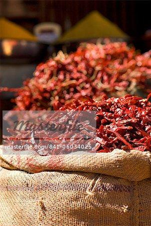 Piments sur le marché de décrochage, Udaipur, Rajasthan, Inde, Asie