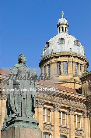 Statue de la Reine Victoria et Council House, Victoria Square, Birmingham, West Midlands, Angleterre, France, Europe.