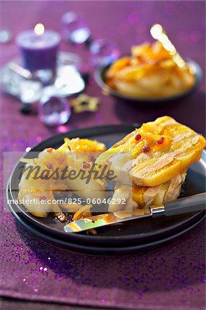 Foie gras et terrine d'abricot séché aux pommes acides et marmelade