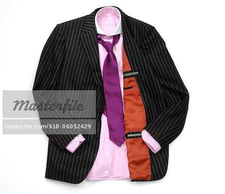 Blazer, Hemd und Krawatte