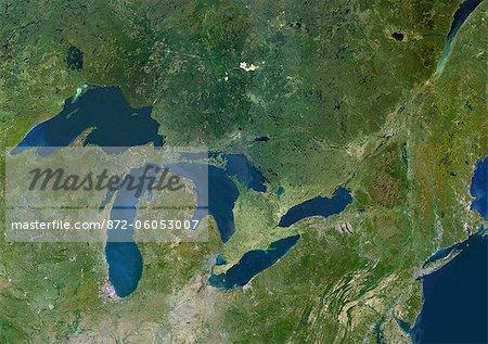 Grands lacs, Usa & Canada, True Image Satellite en couleurs. Image satellite de l'américaine des grands lacs : lac supérieur, Michigan, Huron, Érié et Ontario. Cette image a été compilée à partir de données acquises par les satellites LANDSAT 5 & 7.