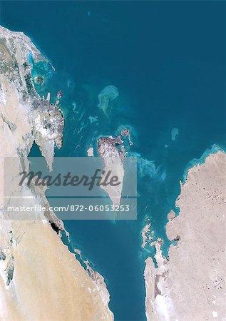 Bahreïn, Moyen-Orient, Asie, True Image Satellite en couleurs. Vue satellite du Bahreïn. Cette image a été compilée à partir de données acquises par les satellites LANDSAT 5 & 7.