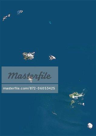 Îles Marquises, Polynésie française, DOM, Océanie, couleur vraie Image Satellite. Vue satellite des îles Marquises, un groupe d'îles volcaniques en Polynésie française, une collectivité d'outre-mer de la France dans le Pacifique Sud. Cette image a été compilée à partir de données acquises par les satellites LANDSAT 5 & 7.