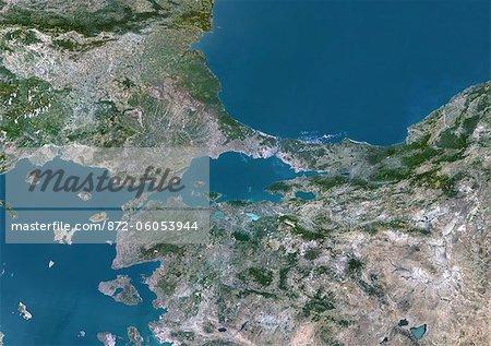 Mer de Marmara, Turquie, véritable couleur Satellite Image. Vrai couleur image satellite de la mer de Marmara, la mer intérieure qui relie la mer Noire (en haut) à la mer Égée (en bas à gauche). Le détroit du Bosphore relie la mer Noire et le détroit des Dardanelles sur la mer Égée. Istanbul est situé sur le détroit du Bosphore. Image composite à l'aide de données LANDSAT 5.