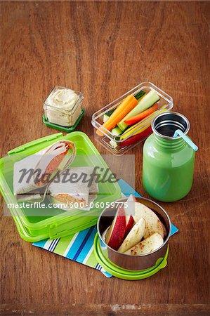 Déjeuner dans des conteneurs