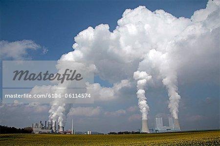 centrales électriques au charbon près de Neuratg, Allemagne