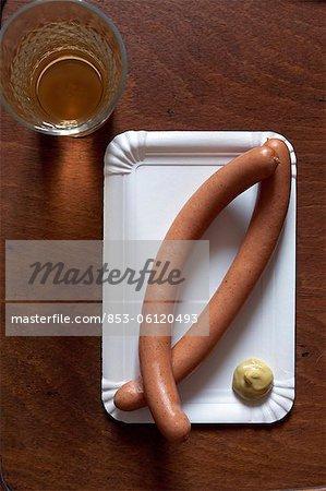 Saucisses de Francfort avec cidre