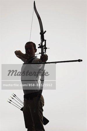 Archer mit Farbverlauf Hintergrund mit dem Ziel