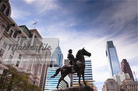 Statue équestre en face de la mairie, Philadelphie, Pennsylvanie, Etats-Unis
