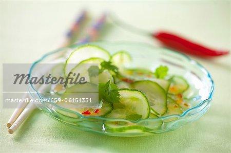 Salade de concombre avec une sauce de piment (Thaïlande)