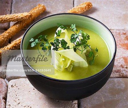 Soupe de légumes froide (Vichyssoise)