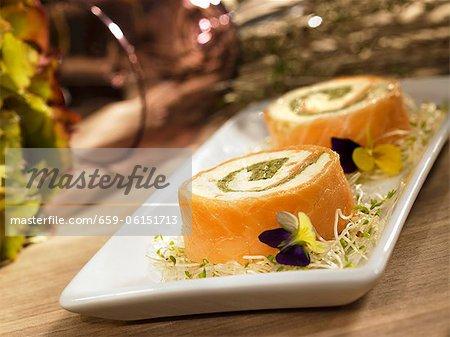 Lachs-Roulade mit Frischkäse