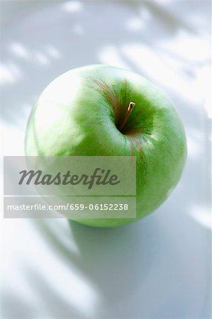Ein grüner Apfel