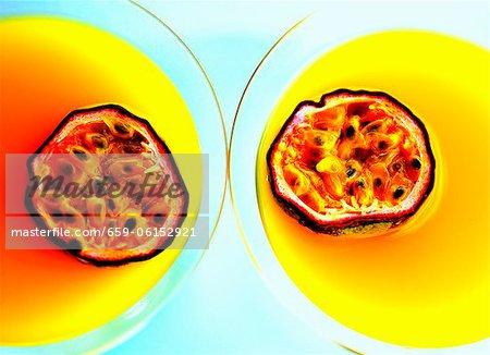 Summerstar Martinis avec champagne (vue de dessus) et les fruits de la passion