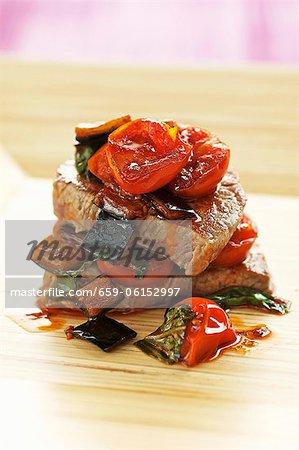Filet de veau à ragoût d'aubergine et tomate