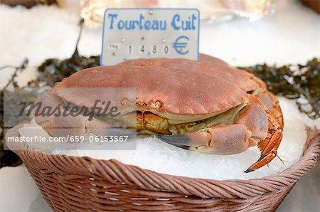 Crabe cuit sur le marché