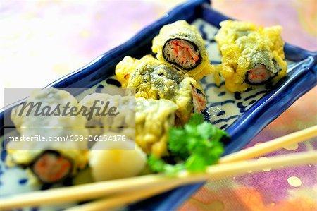 Maki avec surimi en pâte tempura