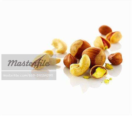 Noix de cajou, pistaches et noix de Hazel