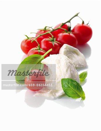 Mozzarella, basilic et tomates