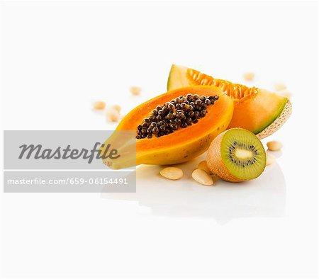 Exotische Früchte und Nüsse