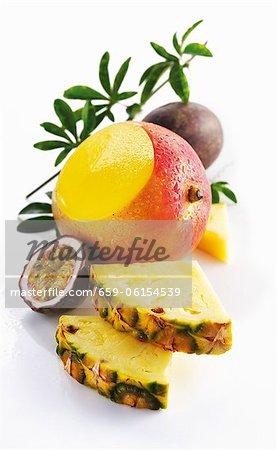 Ananas, gale et fruit de la passion