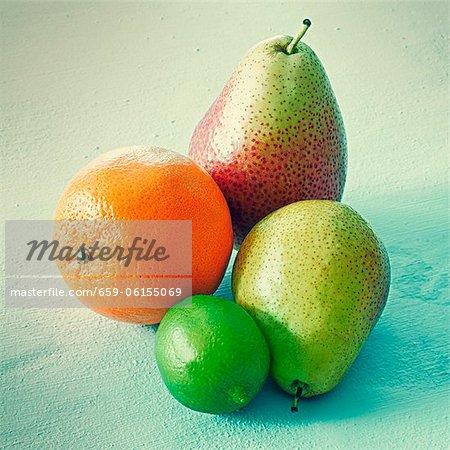 Oranges, les citrons verts et les poires