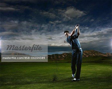 Homme jouer au Golf