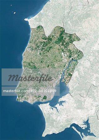 Vue satellite de la périphérie de Lisbonne, Portugal. Cette image a été compilée à partir de données acquises par les satellites LANDSAT 5 & 7.