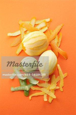 Orange Pelée, de lime et de citron et de leur peau
