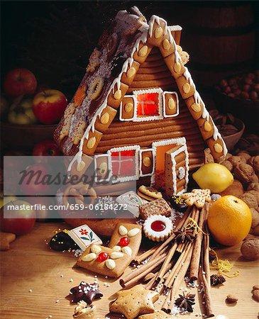Ein Lebkuchenhaus mit Innenbeleuchtung