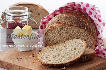 Brot, Butter und Marmelade