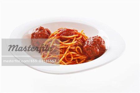 Spaghetti al rami (Spaghetti avec ragoût de boulettes de viande)