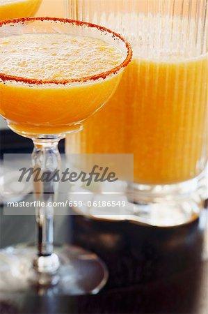 Mangue Margarita au pamplemousse Soda et Chili incrustent de verre Rim
