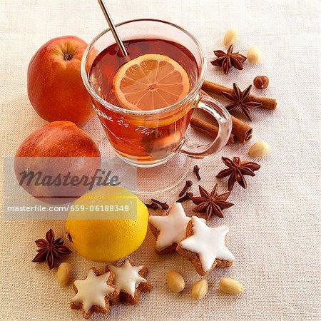 Hot tea with lemons