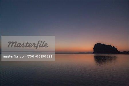 Coucher de soleil à la plage de Pak Meng, Trang, Thaïlande