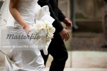 Gros plan de la mariée et le marié