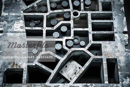 Partie de la presse en acier en usine automobile