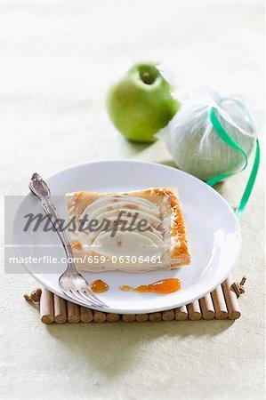 Gâteaux de pâte feuilletée avec apple