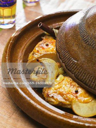 Tagine (Poulet braisé aux épices)