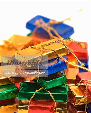 Mini tablettes de chocolat à égalité avec chaîne d'or