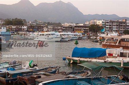 Yachts et bateaux d'amarrage de Sai Kung, Hong Kong