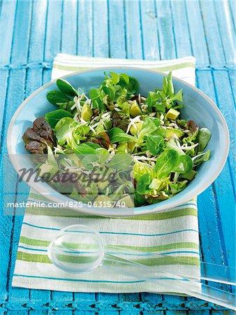 Salade de graines de mâche, avocat, miso et sun-flower